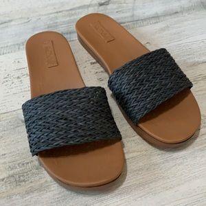 Roxy Slides Size 7 Black